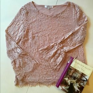 Rose & Olive lace top w/bell sleeves